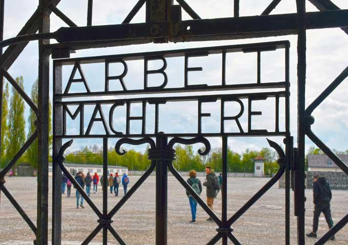 Riflessioni campo di concentramento di Dachau dei Licei- Salesiani Milano