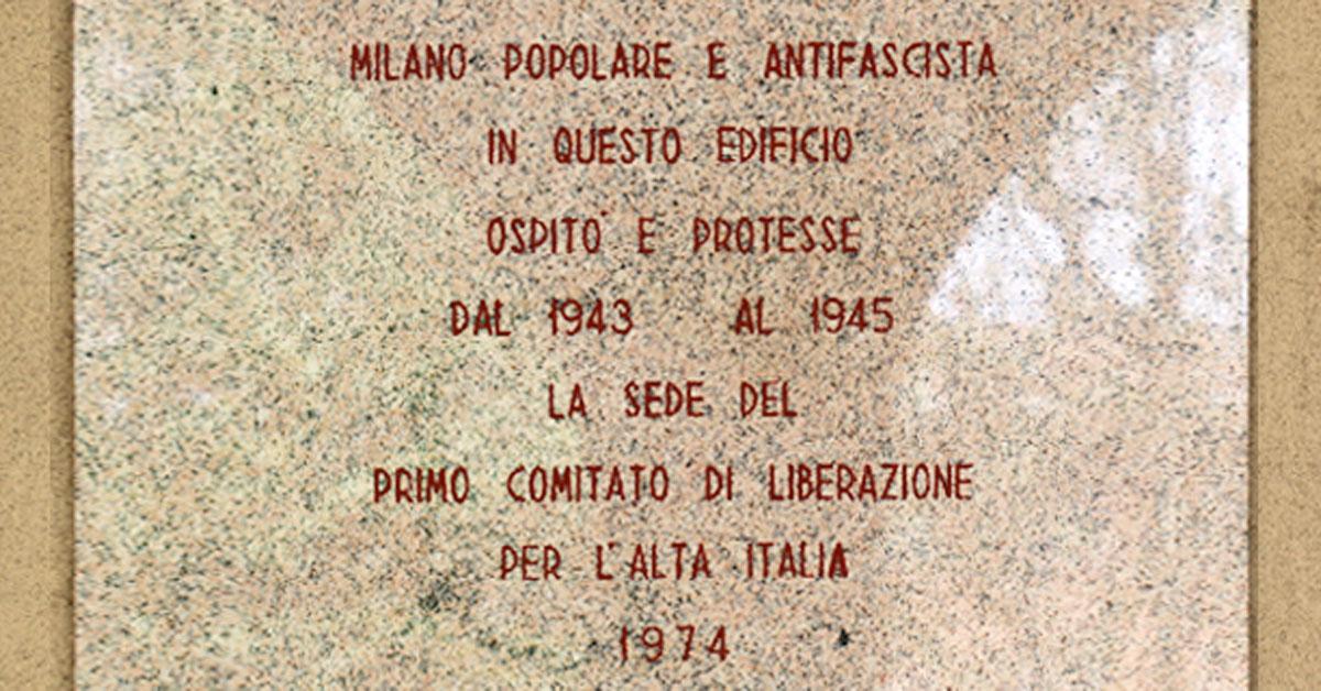 25 aprile 1945: la targa posta dal Comune di Milano nel cortile dell'Istituto Salesiano S. Ambrogio