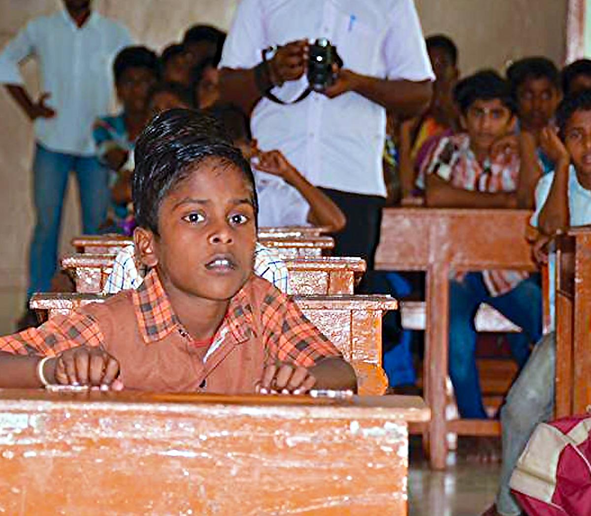 Ci baciamo a settembre di Marco Erba per la scuola salesiana in India