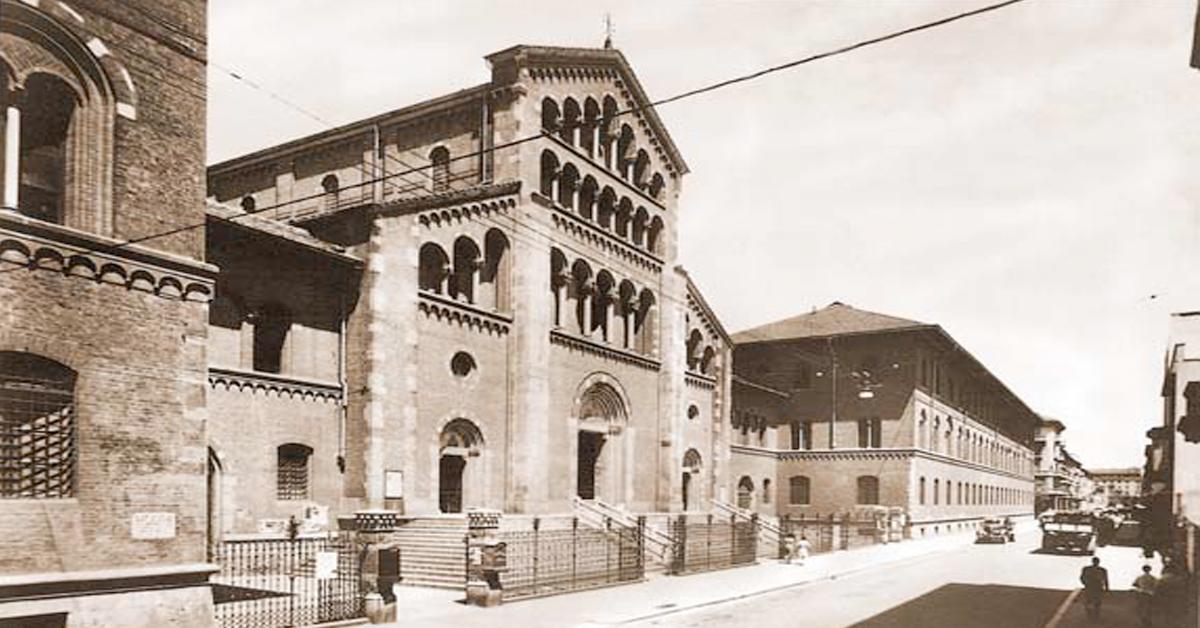 25 aprile 1945: l'entrata dell'Istituto Salesiano S. Ambrogio di Milano in una foto d'epoca