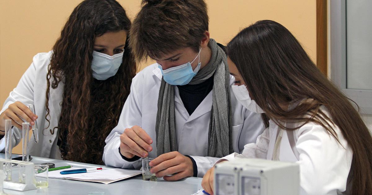 Laboratorio di chimica a scuola - Salesiani Milano